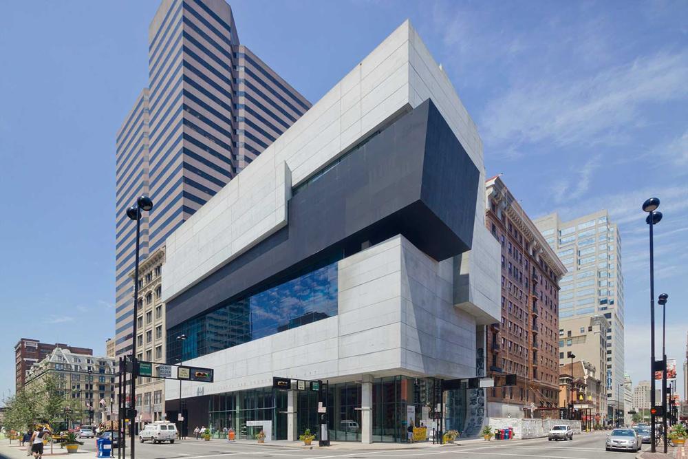 Rosenthal Modern Sanat Merkezi / Zaha Hadid