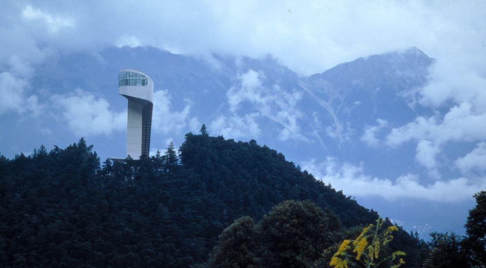 Bergisel Atlama Kulesi - Zaha Hadid Architects