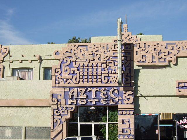 Art Deco Aztec Oteli, Robert Stacy - Monrovia, Kaliforniya
