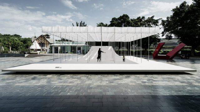 Floating Pavilion / Shen Ting Tseng