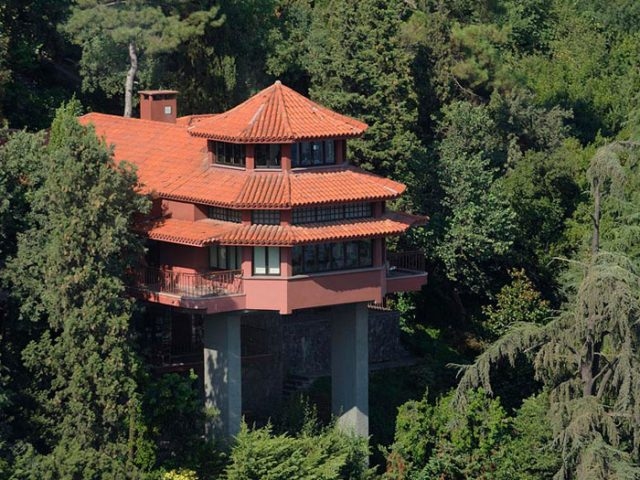 Bruno Taut kırmızı boğaz ev