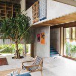Bali'de Brütalist Bir Tropik Ev / Patisandhika + Dan Mitchell