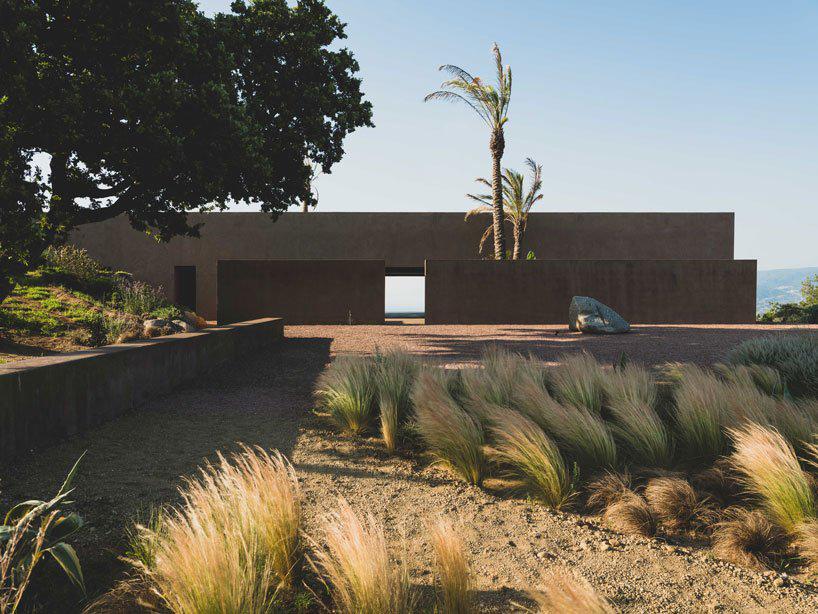 Villa RA / MORQ